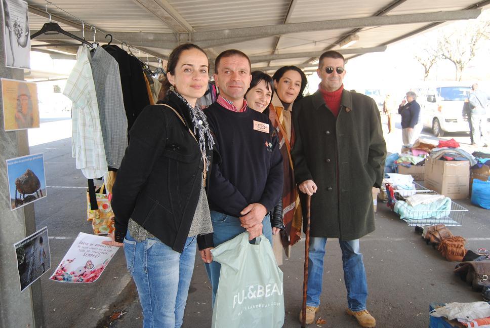 """""""The Street Store"""": Loja de Rua sem dinheiro a circular permitiu ao vianenses dar e receber."""